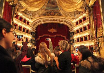Teatro San Carlo e Palazzo Reale di Napoli - Cultura e inclusione sociale  - Reach Out - Mediateur Art direction Luciano de Venezia